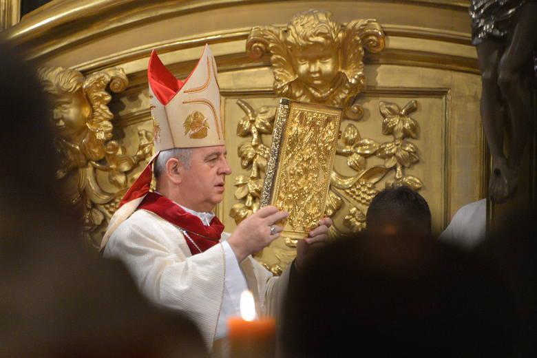 Ważne informacje dotyczące I Komunii Świętej w diecezji kieleckiej. Jest komunikat biskupa Jana Piotrowskiego