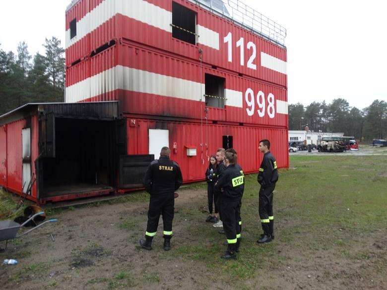 Młodzieżowa drużyna strażacka ze Sławna ćwiczyła w komorze dymowej [ZDJĘCIA]