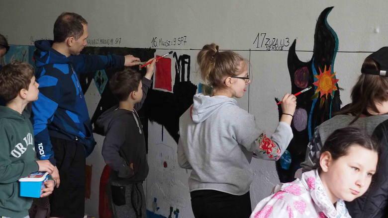 W sobotnie południe w ramach tegorocznych obchodów Dni Koszalina, w przejściu podziemnym w koszalińskim parku odbył się konkurs malarstwa ściennego.Zobacz