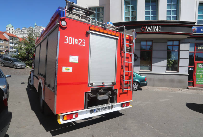 Nieprawidłowe parkowanie na Podzamczu i kłopoty strażaków [ZDJĘCIA, WIDEO]
