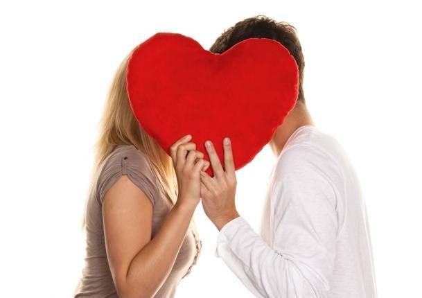 Nie każdy zdaje sobie sprawę z tego, że wystarczą zaledwie 4 sekundy, by się w kimś zakochać. Ludzki mózg wcale nie potrzebuje więcej czasu, by wytworzyć