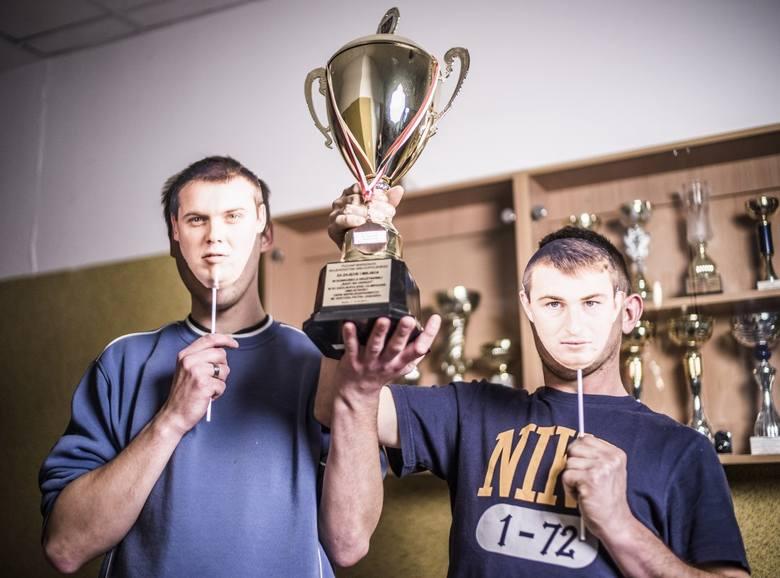 """Uczestnicy warsztatów """"5 Zmysłów"""", Adam i Adrian są najlepszymi sportowcami w ośrodku<br />"""