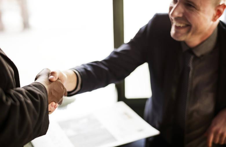 Zasiłek dla bezrobotnych. Jaka umowa do niego uprawnia?