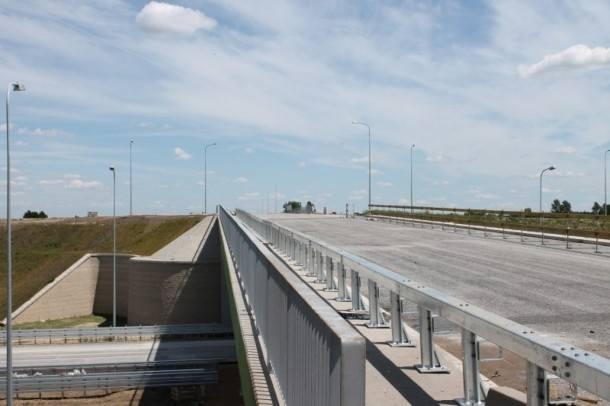Od poniedziałku kierowcy mogą już jeździć nowym 30-kilometrowym odcinkiem drogi ekspresowej S5 od Kaczkowa do Korzeńska. Dzięki temu dojazd z Poznania