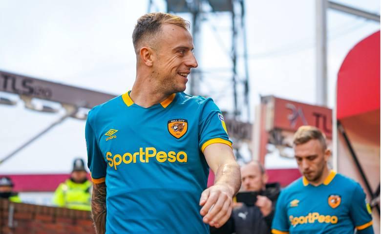 Premier League:- Jan Bednarek (Southampton FC) - 90 minut przeciwko West Ham i porażka 0:1. Bednarek zanotował 11 interwencji przed własnym polem karnym
