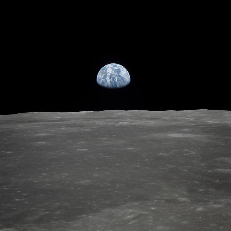 Tak wygląda widok Ziemi ze Srebrnego Globu. Astronauci mieli widoku zapierające dech w piersiach.