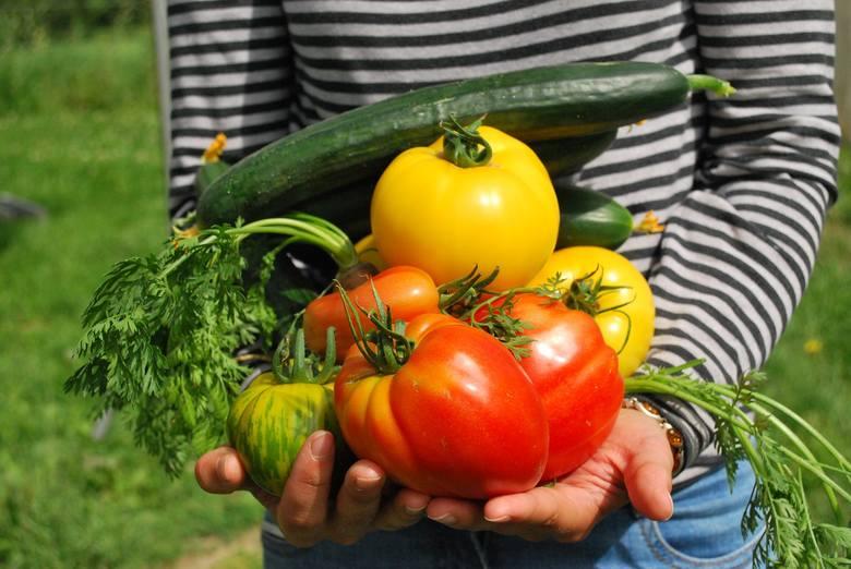 Na pewno popełniasz te błędy przy jedzeniu owoców i warzyw