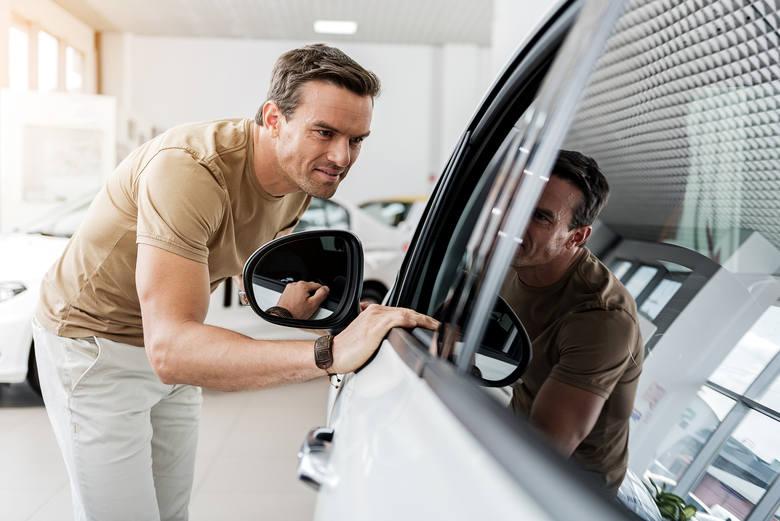 Jak kupić samochód używany? Sprawdź, jak nie dać się oszukać i nie przepłacić