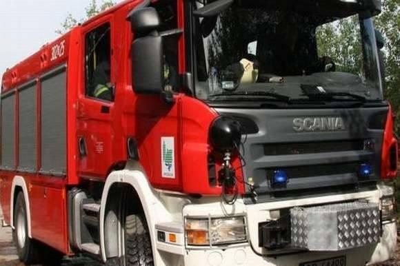 Na miejscu pracowało pięć zastępów straży pożarnej.
