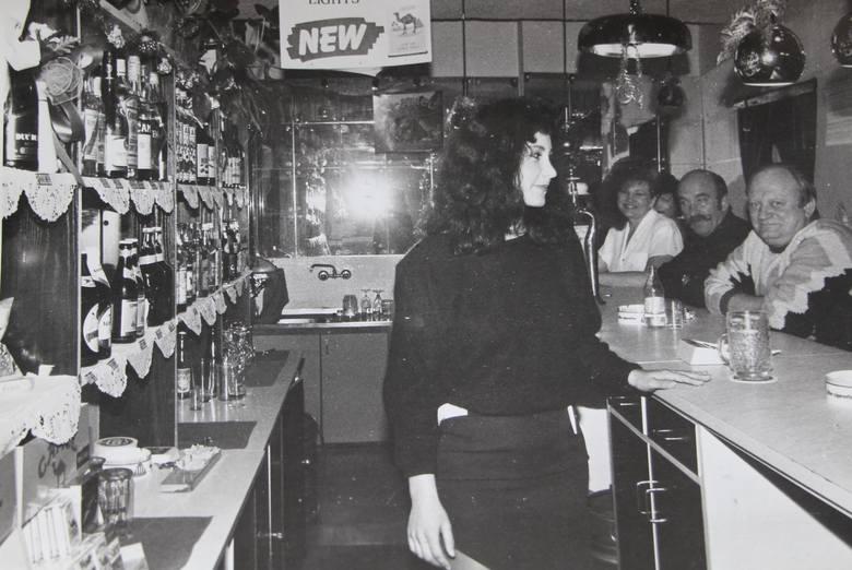Przez ostatnie 30 lat zmienił się nie tylko sam Białystok, ale i liczne białostockie lokale rozrywkowe, puby czy restauracje. Zobacz jak wyglądały na
