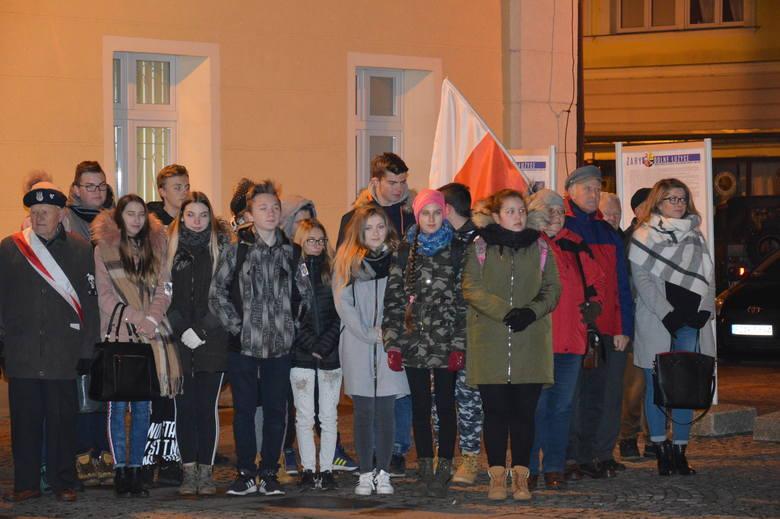 Dzwony we wszystkich kościołach obudziły w czwartek, 22 listopada, mieszkańców Żar już o piątej rano. Właśnie 22 listopada 1918 r. dokładnie o piątej