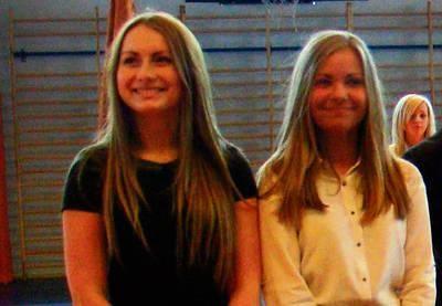 Paulina Bodzioch i Monika Boroń ukończyły liceum ze średnią 5,5 FOT. EWA TYRPA