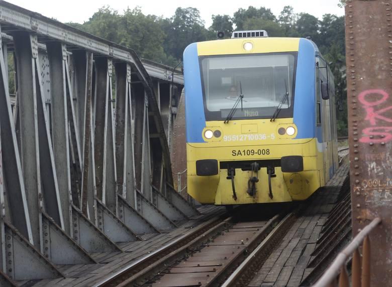 Pociągi pojadą szybciej, ale po remoncie torów