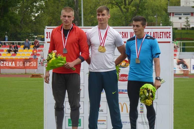 """W trakcie zakończonych właśnie Halowych Mistrzostw Świata w Lekkoatletyce Polacy zdobyli pięć medali, w tym dwa złote. Dało to """"biało - czerwonym"""""""