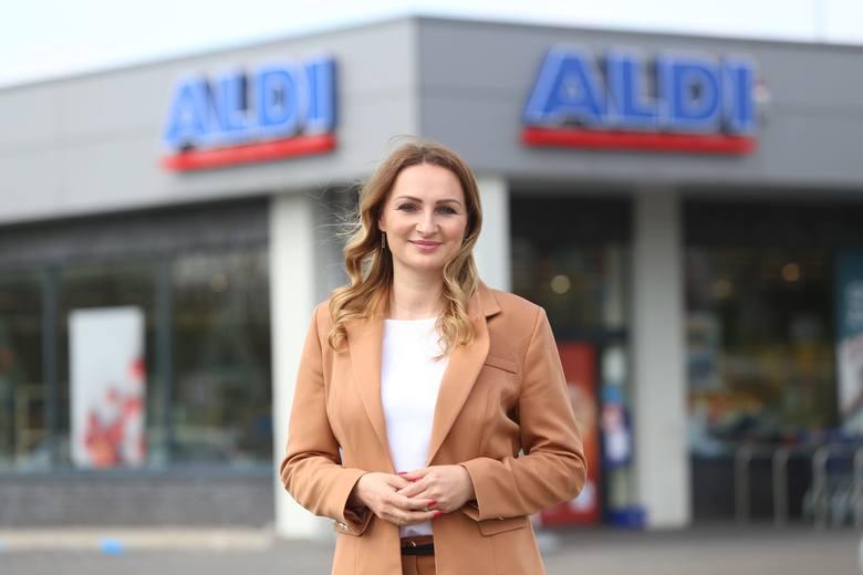 Eliza Polak, kierownik sprzedaży w sieci handlowej ALDI w Polsce. To niemiecka sieć, obecna w Polsce od 12 lat. Zatrudnia w naszym kraju ponad 2500 osób, ma 140 sklepów