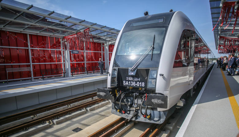 30.08.2015 gdanskpomorska kolej metropolitarna pkm inauguracja - przejazd koleja na trasie port lotniczy - strzyzan/z przystanek pkm port lotniczy -