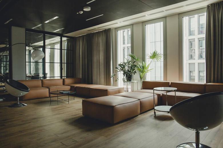 """Kategoria """"Najlepsze Biuro  w Branży Kreatywnej""""Wyciszone gabinety, kawiarnie, kanapy, bieżnie, pokoje gier czy nawet strefy do medytacji. To tylko niektóre"""