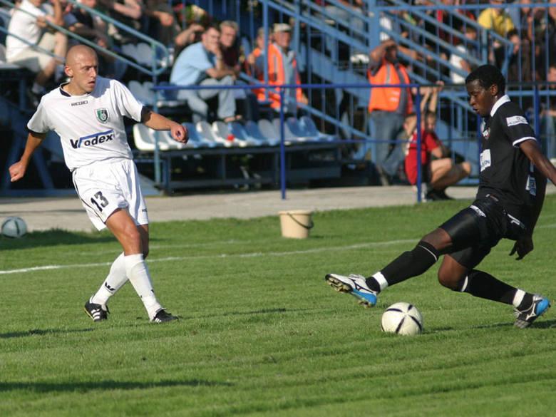 Janusz Iwanicki (w białym stroju) przez trzy sezonu bronił barw I-ligowej wtedy Stali Stalowa Wola.