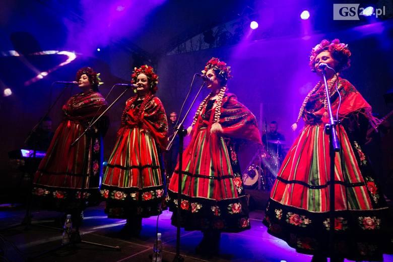 Zobaczcie zdjęcia z koncertu zespołu Tulia na obchody Święta Niepodległości.