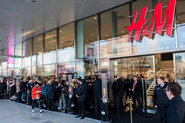 W 2019 r. grupa H&M planuje otworzyć 335 nowych sklepów. Większość z nich powstanie poza Europą i USA. Jednocześnie planuje się zamknięcie 160