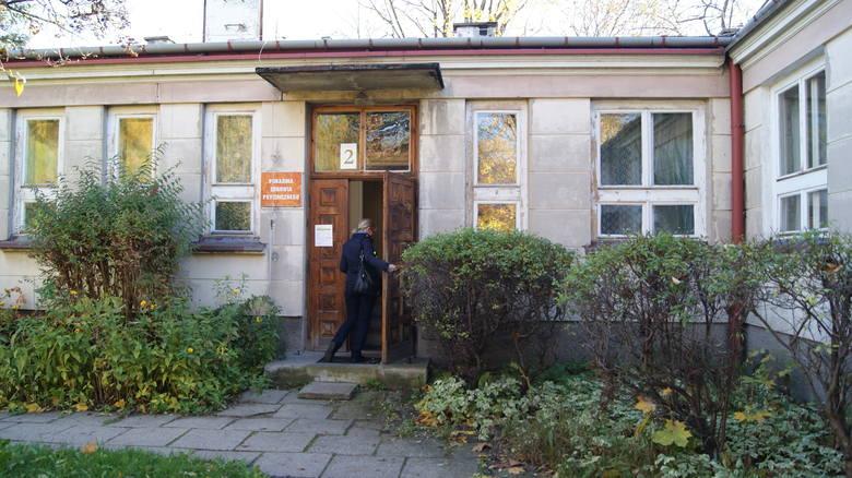 Jedną z przychodni oferującą pomoc dla osób z depresją jest Poradnia Zdrowia Psychicznego przy ul. Wita Stwosza 1 w Skierniewicach<br />