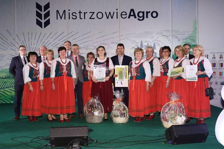 Podczas uroczystej gali we wtorek, 8 października w Targach Kielce laureaci pierwszych miejsc z naszego powiatu w akcji Mistrzowie Agro otrzymali tytuły