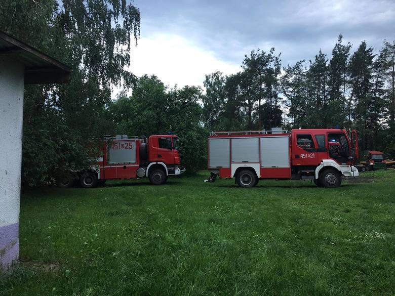 W czwartek, o godz. 12.40, strażacy z OSP Knyszyn otrzymali informację o pożarze budynku gospodarczego w miejscowości Kalinówka Kościelna.