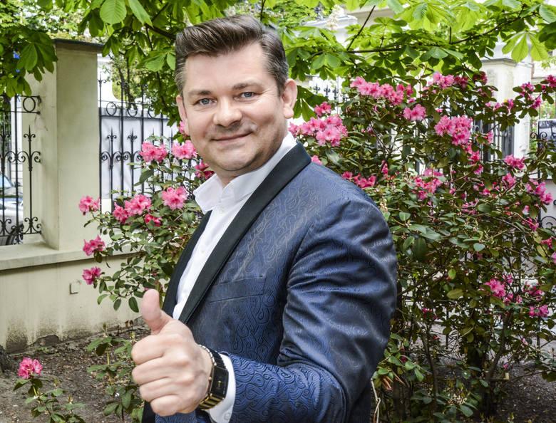 Zenek Martyniuk obchodzi 50 urodziny. Wszystko co musisz wiedzieć o Królu Disco Polo [ZDJĘCIA]