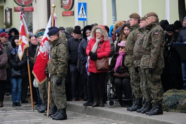 Przysięga wojskowa żołnierzy obrony terytorialnej w Łańcucie.