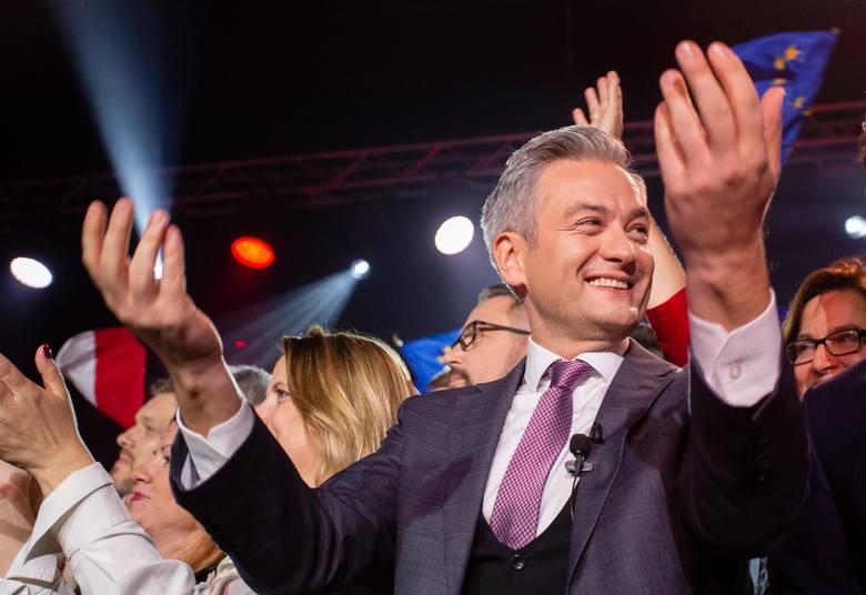 Wybory parlamentarne 2019. Wyniki: Lewica w euforii. SLD trzecią siłą w Sejmie. Relacja ze sztabu [ZDJĘCIA]