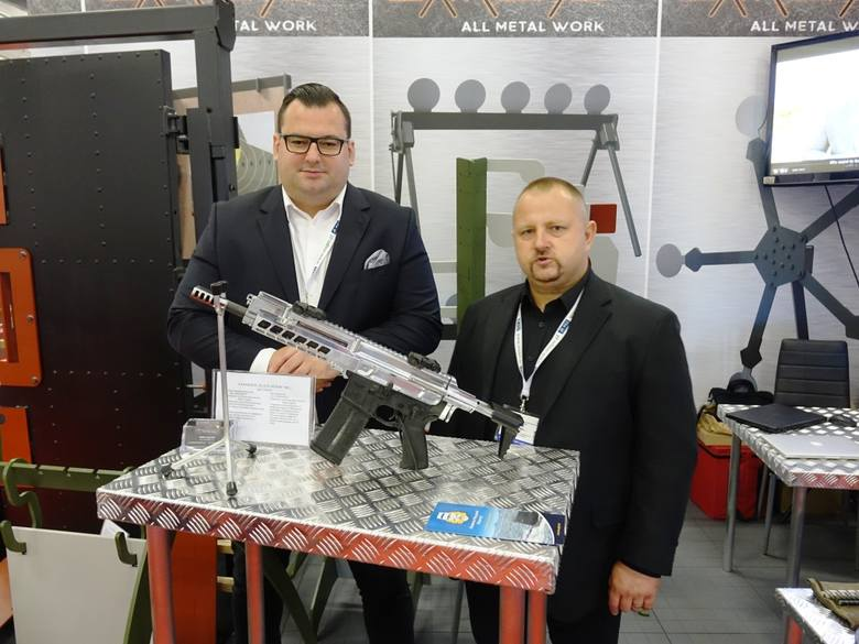 Przeciwlotniczy zestaw rakietowy, karabin i produkty z włókna bazaltowego ze Skarżyska na Targach Zbrojeniowych w Kielcach