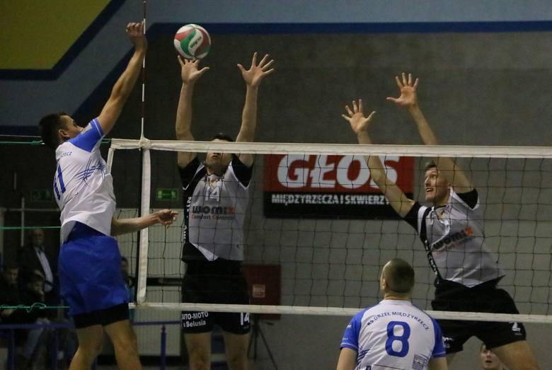 Zawodnicy Orła gladko wygrali 3:0.