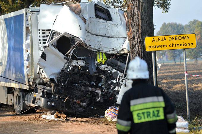 """[zdjęcia] Tragiczny wypadek na krajowej """"piątce"""""""