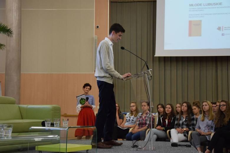 Młodzi niech mają głos