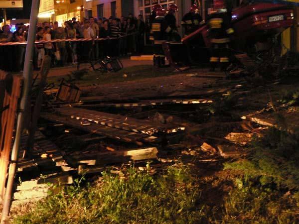 Auto wpadlo do ogródka piwnegoWypadek na ul. Rejtana w Rzeszowie.