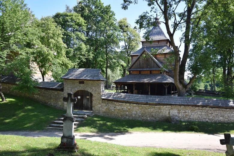 Podkarpacki Szlak Architektury Drewnianej to doskonały sposób na zwiedzanie naszego regionu. Jest 9 tras. Nz. cerkiew w Radrużu w powiecie lubaczows