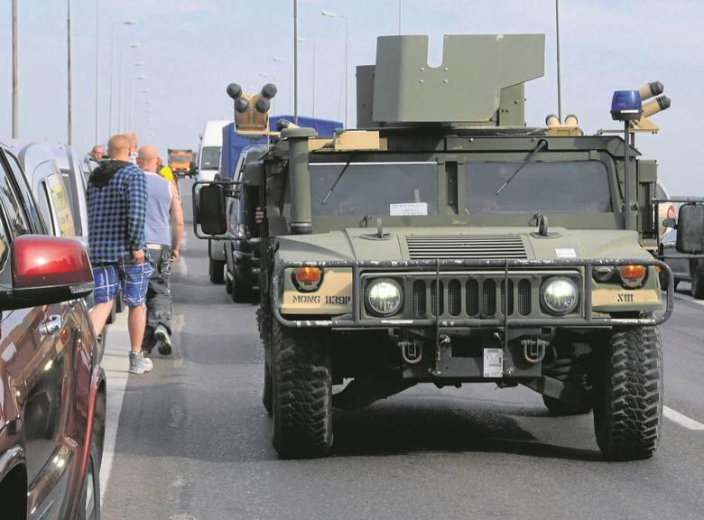 W ćwiczeniach Anakonda-16 uczestniczą żołnierze z 19 państw NATO i pięciu partnerów Sojuszu. Są wyposażeni w 3 tys. pojazdów, ponad 100 samolotów i śmigłowców oraz 12 okrętów.