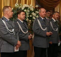 Szefostwo naszej policji w komplecie: komendant wojewódzki, Igor Parfieniuk (drugi z prawej), komendant miejski, Janusz Pawelczyk (drugi z lewej) i jego