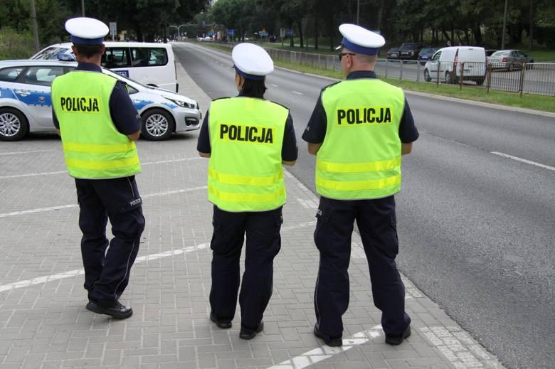 Może zatem dojść do sytuacji, że policja zatrzyma kierowcę do kontroli, gdzie obowiązuje zakaz postoju, zakaz zatrzymywania się, czy jest to zatoka autobusowa.
