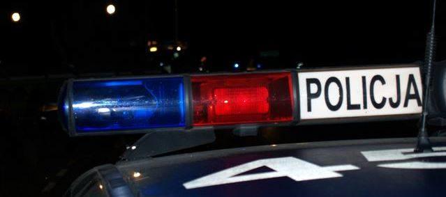 Skradziono samochód. Policja szuka złodzieja