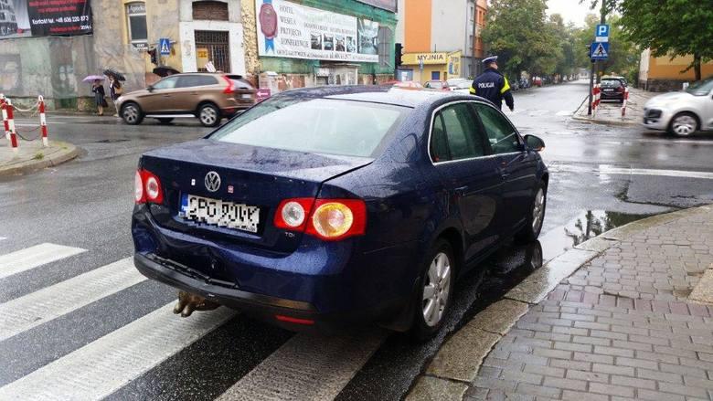 Audi zderzyło się z volkswagenem na Katowickiej.