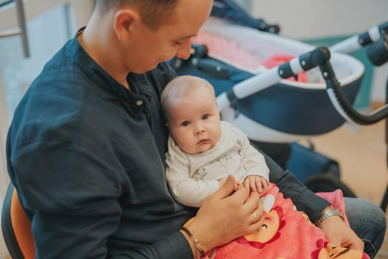 Rodzice 5-miesięcznej Leny liczą na nowy lek, który uratuje życie ich córeczce