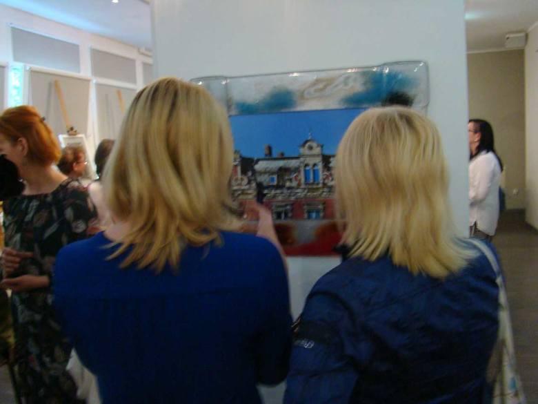 Wydarzeniem kulturalnym stała się wystawa fotografii Bogusława Kolanowskiego, otwarta w saloniku bibliotecznym przy ul. Kilińskiego 16. Nosi ona tytuł