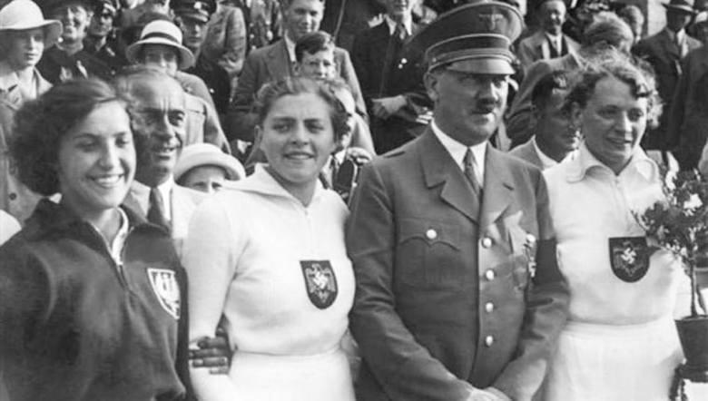 To zdjęcie przeszło do historii i uratowało życie wielu Polakom