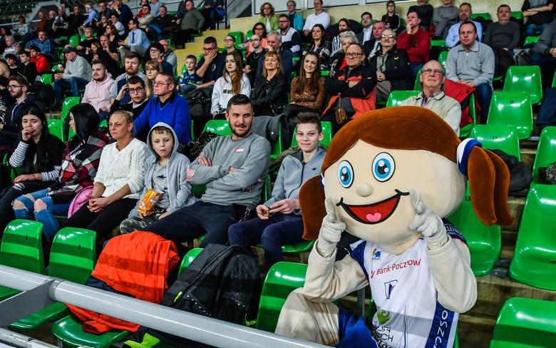 W meczu zamykającym 18. kolejkę Ligi Siatkówki Kobiet w hali Immobile Łuczniczka bydgoski Pałac wygrał z Energą MKS Kalisz 3:0. Po raz kolejny na meczu