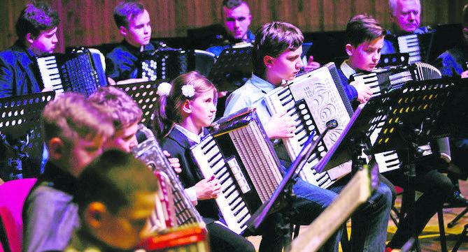 """Koszalińska Orkiestra Akordeonowa """"Akord"""". We wtorek wystą-pią zespoły z CK105, Pałacu Młodzieży, szkoły muzycznej, UTW"""