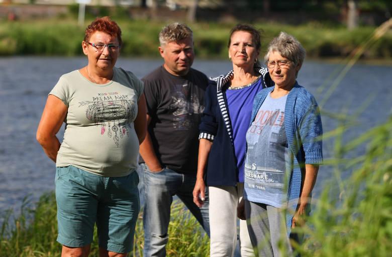 Małgorzata Mokrowska, Bogdan Korczak, Krystyna Wosik i Maria Rzymiańska - 20 lat odbudowują swoje domy i wieś po powodzi