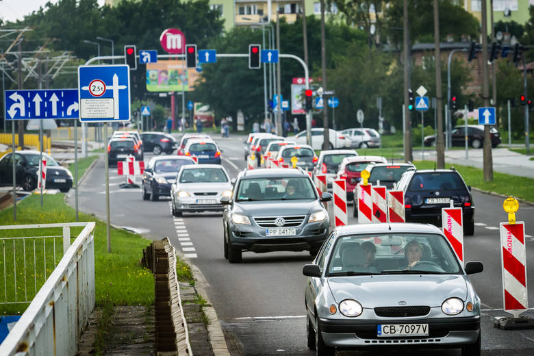 W 2018 roku składki OC były niższe niż przed rokiem we wszystkich miastach wojewódzkich w Polsce. To z pewnością ucieszyło kierowców, którzy po wysokich