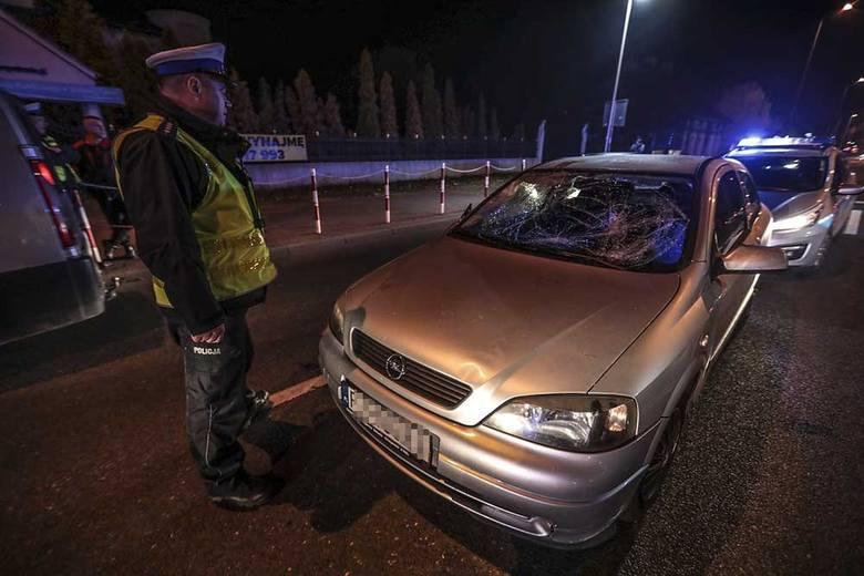 O wypadku poinformował nas Czytelnik. Dramatyczne zdarzenie miało miejsce w środę, 7 listopada na ul. Sulechowskiej w Zielonej Górze. Potrącone zostały