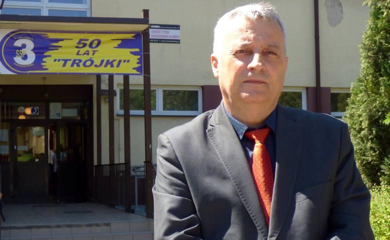 """Robert Głogowiecki, dyrektor kazimierskiej """"Trójki"""", jest nowym radnym Rady Powiatu."""
